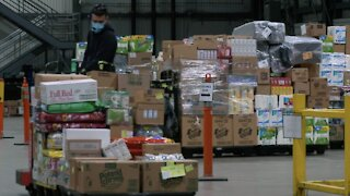 Grocery Distribution Centers Say They Need More Workers