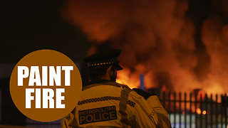Dramatic video shows fire destroying a paint factory - Video