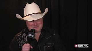 Mark Chesnutt could not be more proud of his son | Rare Country - Video