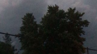 Dramatic Video Shows Electric Storm in Kearney, Nebraska, Amid Tornado Warning - Video