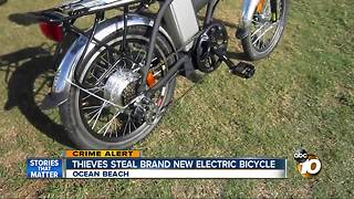 Thieves steal electric bicycle in Ocean Beach - Video