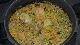 INDIAN FOOD - Chicken Biryani Muslim Style - Video