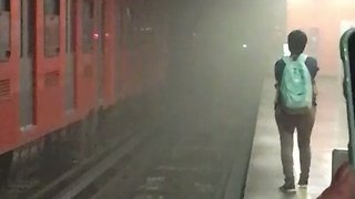 Fleeing Smoke, Passengers Climb Onto Mexico Metro Platform - Video