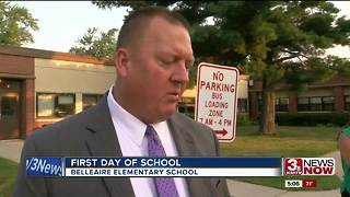 Bellevue professionals welcome Bellaire Elementary students back to school - Video