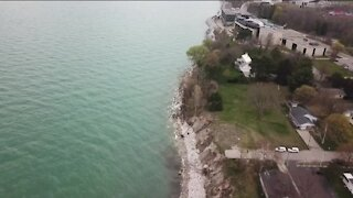 High Lake Michigan water levels cause erosion concerns for homeowners