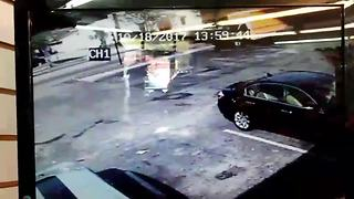 VIDEO: Surveillance shows small plane crashing in St. Pete - Video