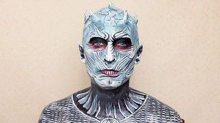 Girls amazing transformation into Game of Thrones white walker - Video