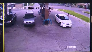 7-year-old jumps out of car before thief speeds off from Detroit gas station - Video