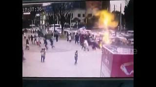 Hydrogen balloon explosion injures 2 in China - Video