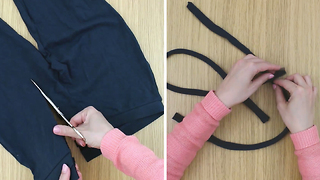 How to turn a pair of tights into an adorable headband without sewing - Video