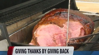 Maxgiving tradition provides ham for all - Video