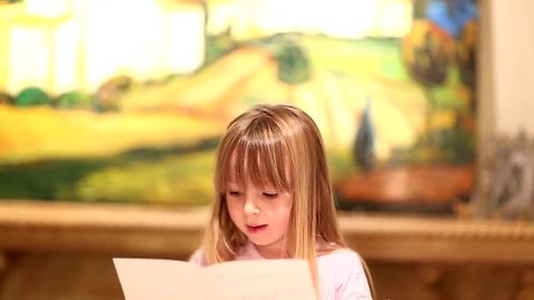 5-Year-Old Reads Surprise Pregnancy Announcement