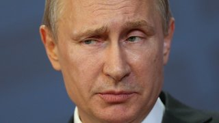 Russia Vows Retaliation Against UK Over Diplomat Expulsions - Video