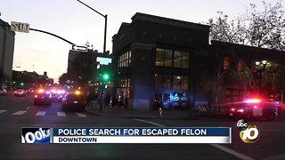 Police searching for escaped felon - Video