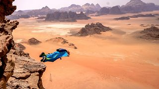 Thrill seekers capture amazing wingsuit jumps in Jordan