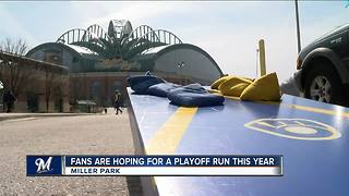 Brewers fans optimistic about '18 season - Video