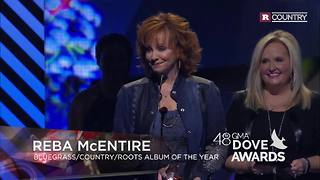 Reba McEntire gives back to God | Rare Country - Video