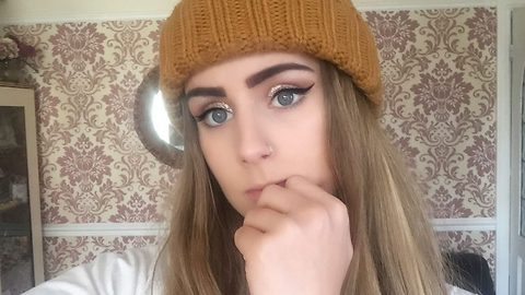 """Crying teen feared brows would fall off after eyebrow tint 'stuck to them like tarmac'"