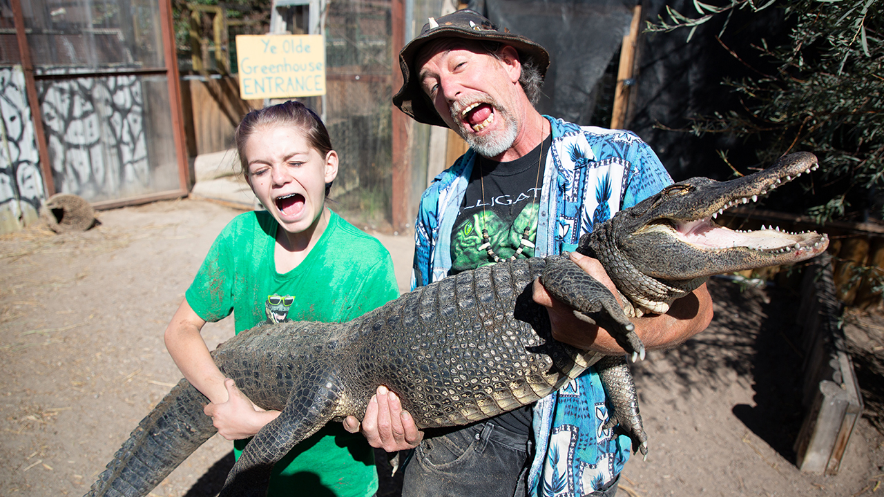 13-Year-Old Girl Wrangles Deadly Gators | BEAST BUDDIES