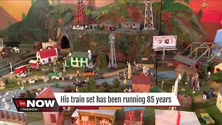 West Seneca man has his childhood train set - Video