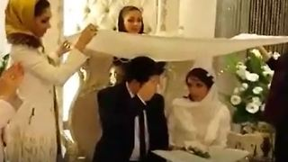 Mannequin challenge in a wedding party - Video