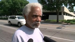 Ernie Chambers reacts to the judges decision to let Moore execution proceed - Video