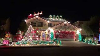 Christmas lights to the tune of AC/DC!