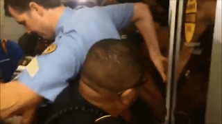 Protesters Scuffle With Police in Attempt to Barge Into Louisiana Senate Debate Venue - Video
