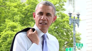 Raw video: The President takes a surprise walk - Video