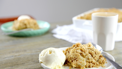 Easiest Apple Crumble