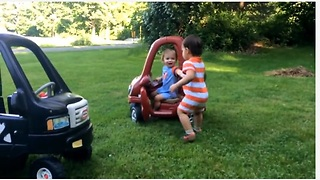Twin Toddlers Have Adorable Fight Over Toy Car - Video