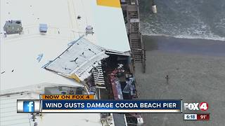 Strong winds rip off roof - Video
