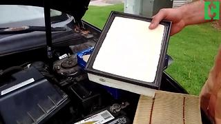 How to change your automobile's air filter - Video