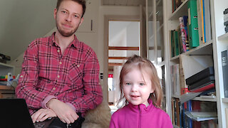 Dad documents what it's like working from home with kids
