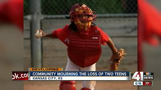 Community mourns loss of 2 teenagers - Video