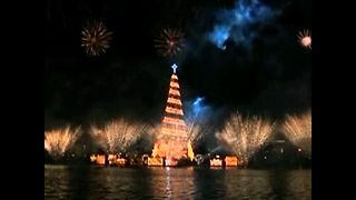 World's Largest Floating Christmas Tree - Video
