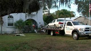 Car crashes into 108-year-old Bradenton home - Video
