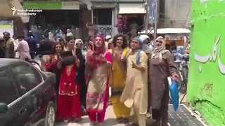 Transgender Activists Protest Against Local Crackdown in Pakistan's Bannu - Video