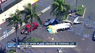 5 people killed after small plane crashes in Santa Ana - Video