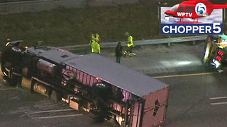 Large truck flips on I-95 SB in Boca Raton, blocking 3 lanes - Video