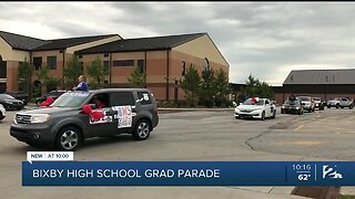 Bixby High School honors class of 2020 with parade