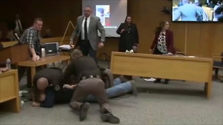 Father Of 3 Victims Charges At Larry Nassar In Courtroom - Video