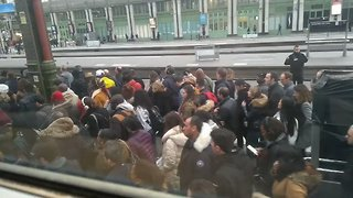 Travel Chaos at French Stations as Rail Workers Begin Strike - Video