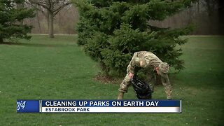 Wisconsin Army National guard organizes Earth Day clean-up event