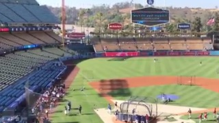 LA Dodgers Organist Plays Linkin Park Hit as Chester Bennington Tribute - Video