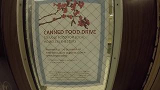 Cleveland high school friends help feed their community with grassroots food drive - Video