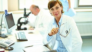 What's The Deal with Clinical Trial Scams? - Video