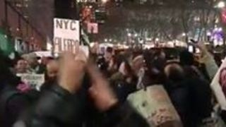 Stand With Aleppo Protesters Gather in Times Square - Video
