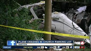 Small plane crashes near Florida church; 1 injured - Video