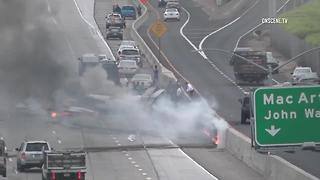 Cessna crashes on 405 Freeway in Orange County - Video